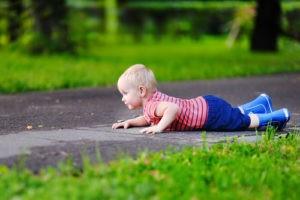 ребенок упал