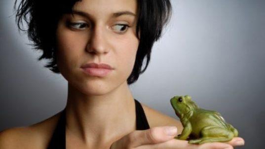 девушка и лягушка