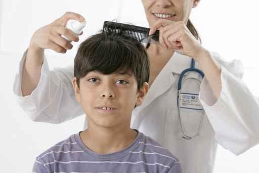 обработка волос спреем от вшей