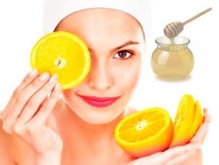 девушка с апельсинами и медом